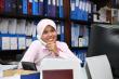 girl_working